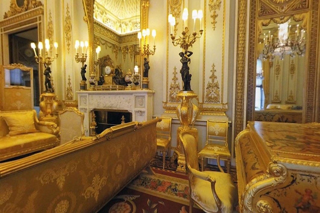 Bedrooms Inside Buckingham Palace