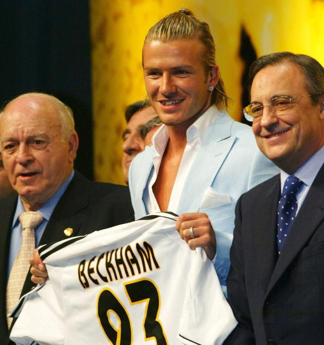 Alfredo Di Stefano and Florentino Perez welcome David Beckham to Real Madrid in 2003