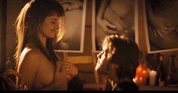 Penelope Cruz strips off for nude scenes in movie  The Sun