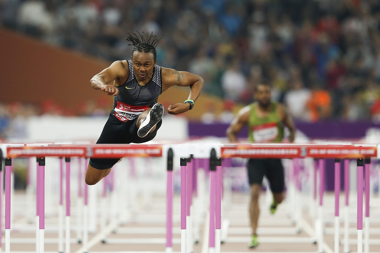 110m hurdle champ Aries Merritt in action