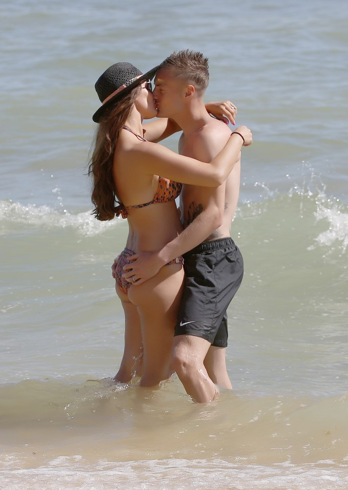 Jamie Vardy and Rebekah put on passionate display on the beach