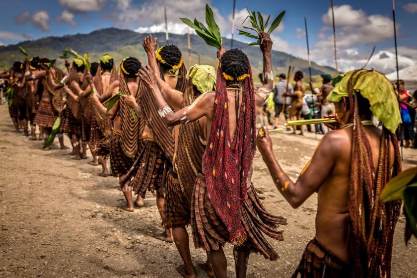 Suku Dani merayakan festival tahunan mereka pada bulan Agustus 2016, yang melihat semua suku setempat membawa prajurit terbaik mereka untuk menampilkan budaya mereka yang kaya.
