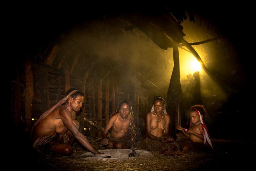 Dani dikatakan sangat ramah, meski memiliki reputasi menakutkan di antara suku-suku lokal lainnya