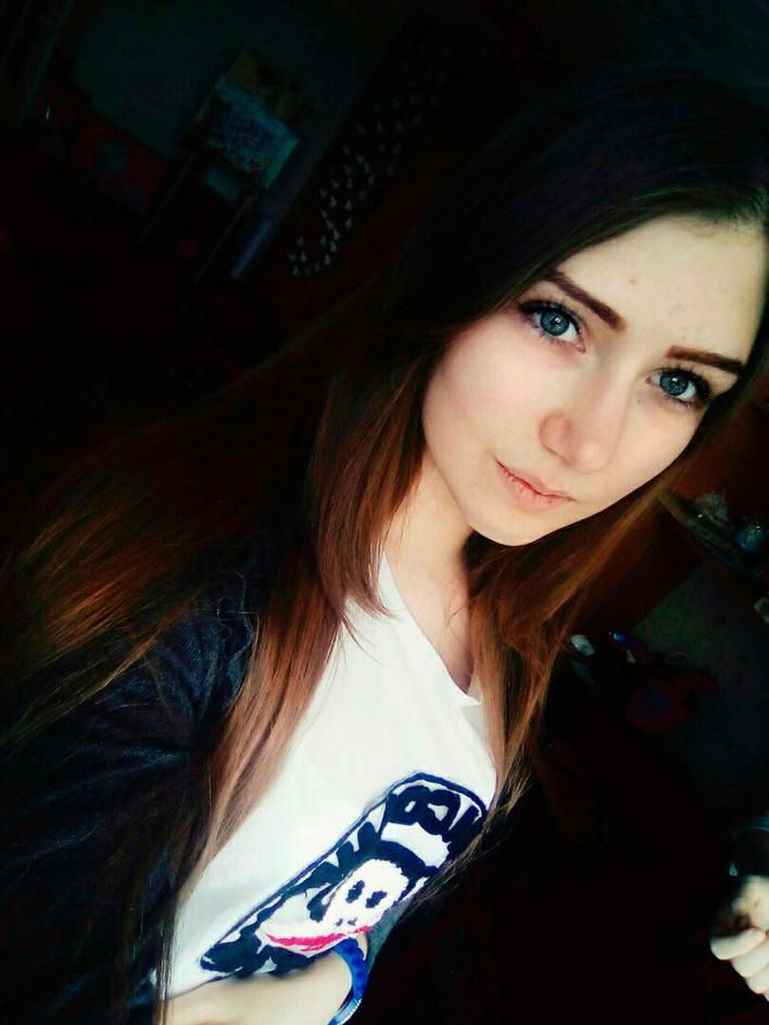 Les flics croient que Veronika Volkova, 16 ans, est tombée à la mort dimanche après avoir été manipulée par un groupe de médias sociaux sinistre
