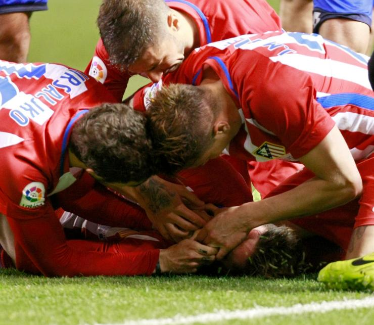 Atletico players Gabi andSime Vrsaljko were praised for their 'perfect' response after they prevented Torres swallowing his tongue