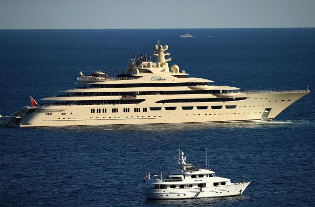 Alisher Usmanov owns the world biggest yacht, The Dilbar