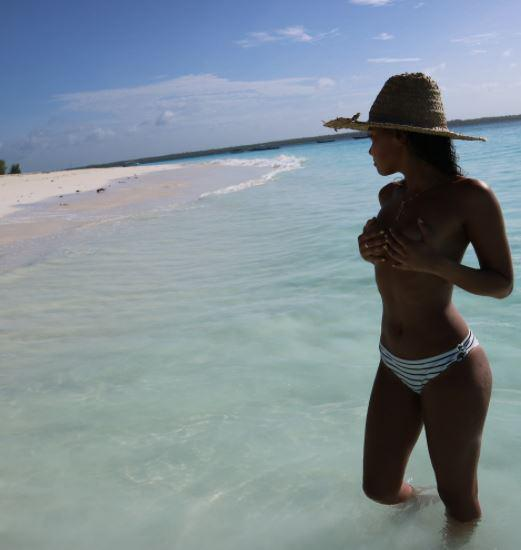 Leigh-Anne whipped off her bikini top for one saucy snap