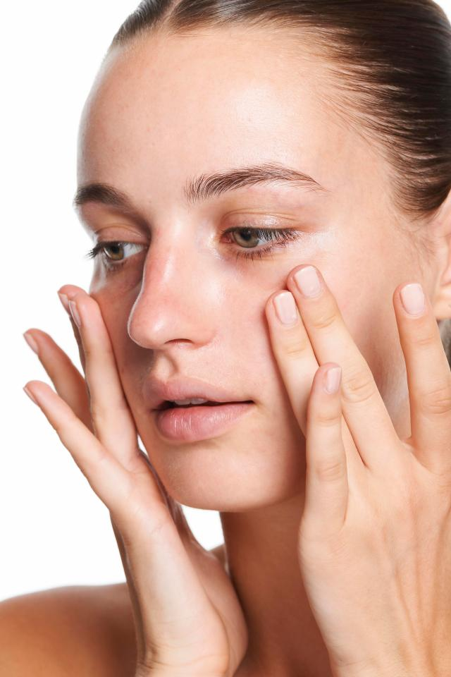 Keep summer skin hydrated without looking greasy with oil free moisturiser