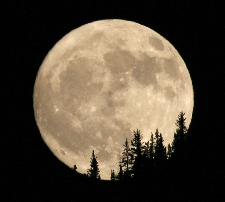 Blue moons aren't necessarily blue