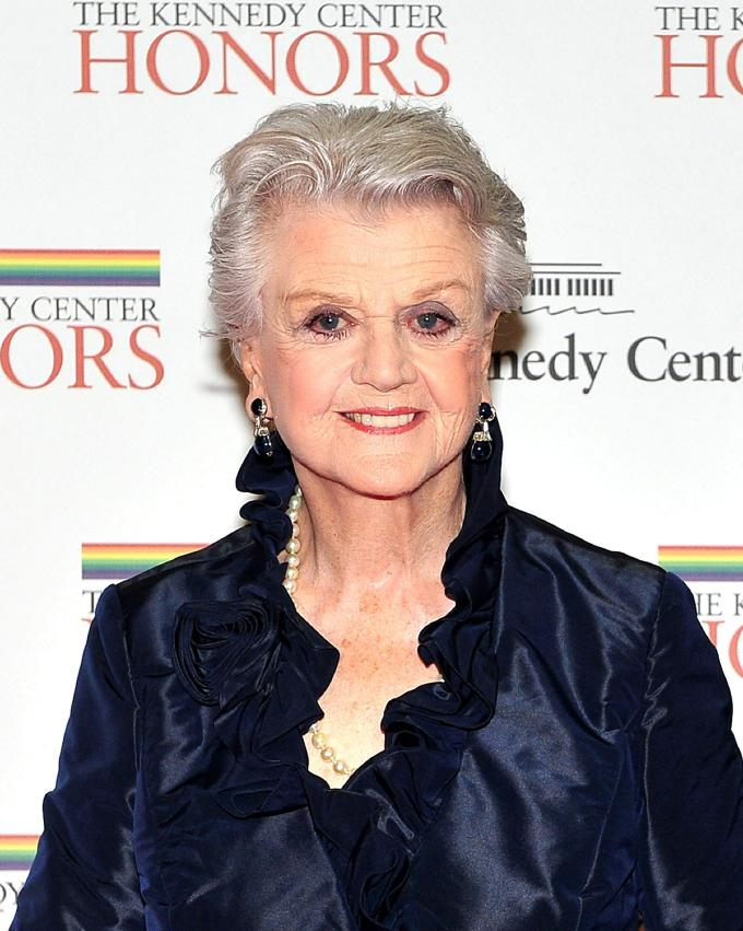 dame angela lansbury to return to murder, she wrote for one
