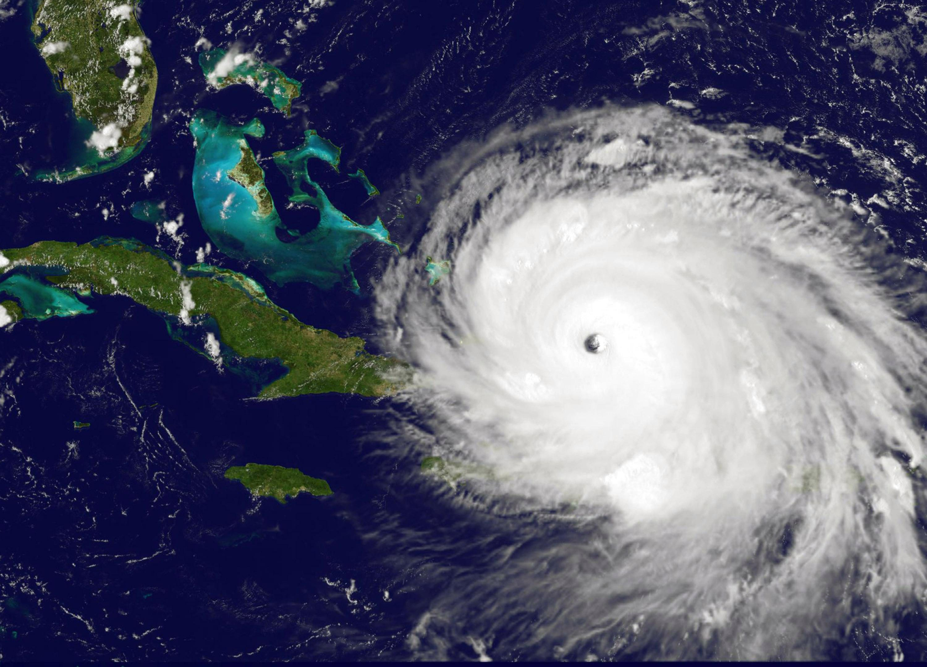 what causes hurricanes what