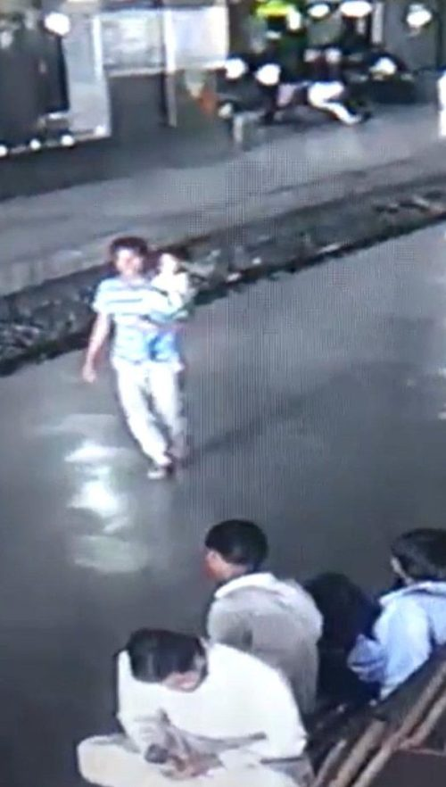 A three-year-old boy was snatched by a staggering kidnapper in India