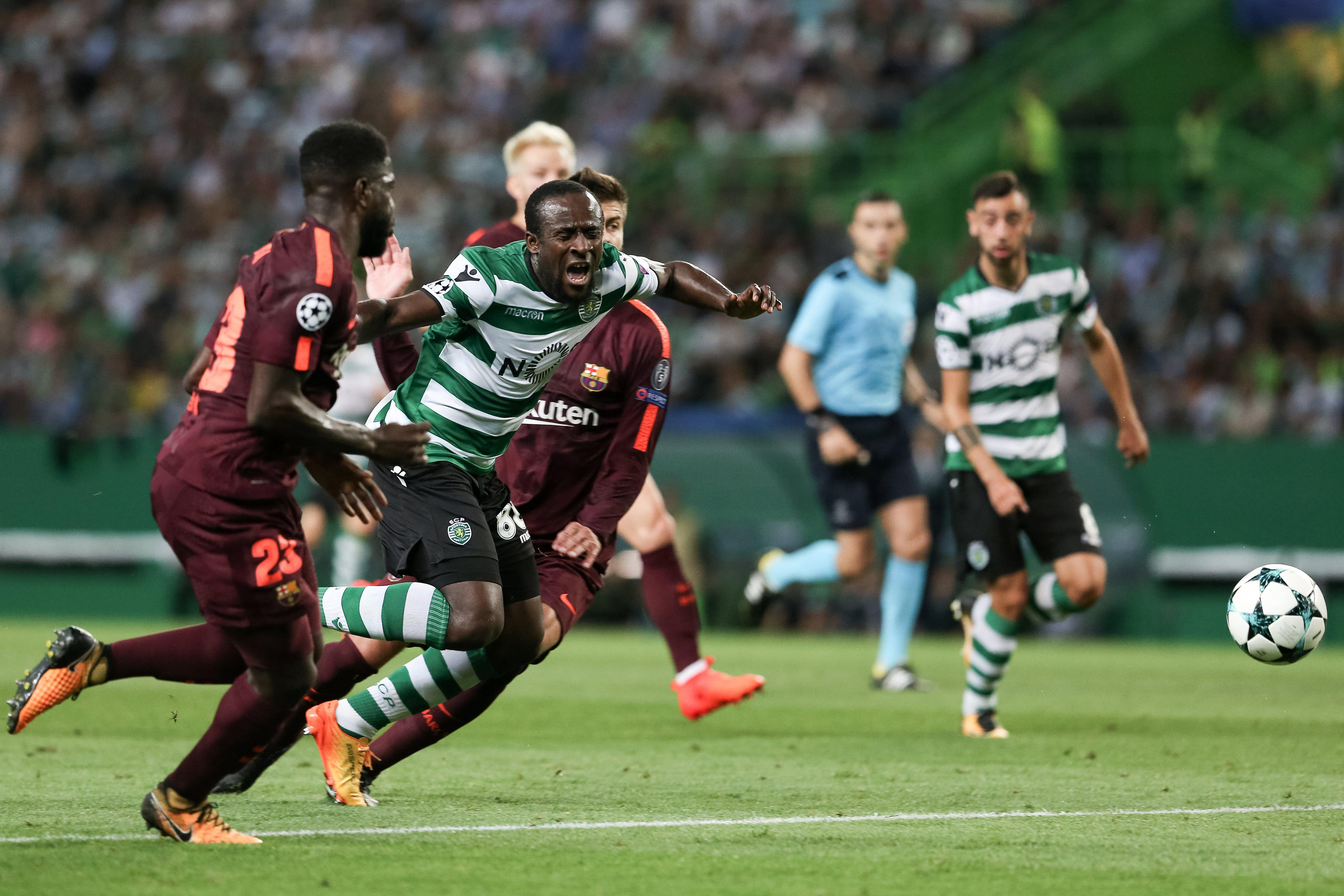 Sporting Lisbon striker Seydou Doumbia injures himself diving and