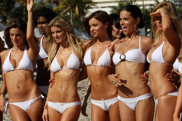 Secret Trick Victoria' Swimwear Models