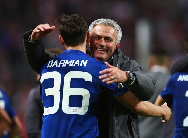 nintchdbpict000326597746 - Roma want Manchester United man Matteo Darmian in January on loan with obligation to buy in summer