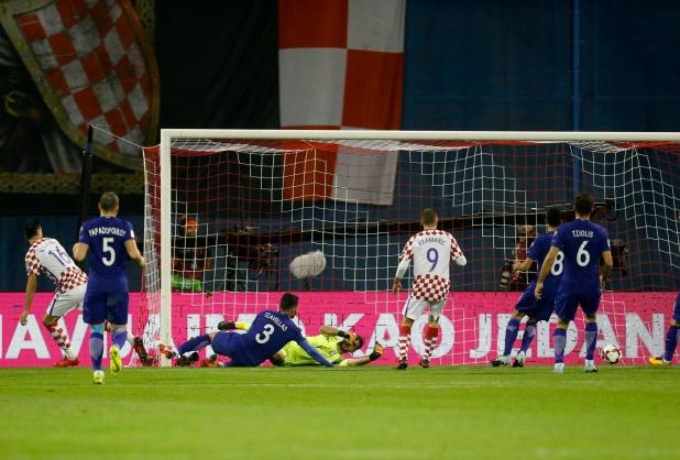 Nikola Kalinic doubled the home side's lead as they threatened to run riot