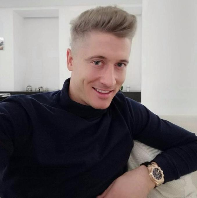robert lewandowski's new dyed hair 'looks worse than samir