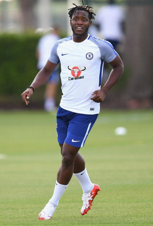 nintchdbpict000337801156 e1517171336804 - Chelsea transfer information: Antonio Conte says he wants to keep Michy Batshuayi at club until the summer