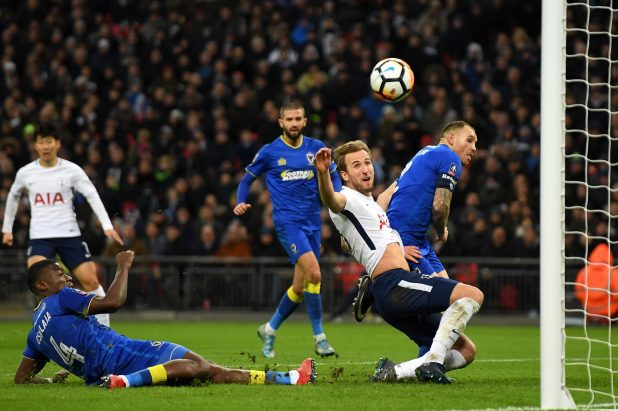 nintchdbpict000376678142 e1515452485196 - Harry Kane reveals he's had no contract talks with Tottenham and is not aware of any soon – despite boss Mauricio Pochettino warning Spurs chiefs to look after him