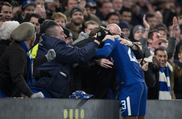 nintchdbpict000378871054 e1516224824563 - Chelsea 1 Norwich 1 (Five-Three pens) match highlights: Willy Caballero the hero as nine-man Blues survive dramatic shootout