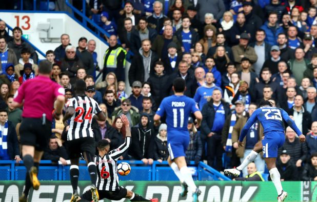 nintchdbpict0003812476111 e1517171164346 - Chelsea transfer information: Antonio Conte says he wants to keep Michy Batshuayi at club until the summer