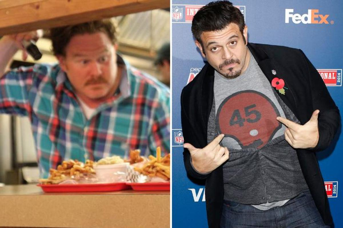 Man v food is back with new face casey webb and no adam richman forumfinder Image collections