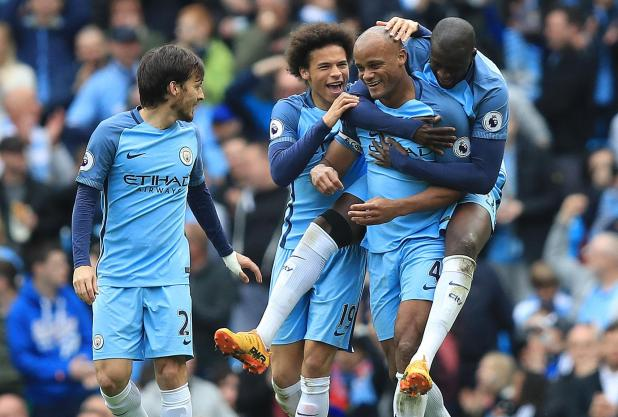 nintchdbpict000322006154 - Manchester City defender Vincent Kompany declares THIS is the season they win the Champions League