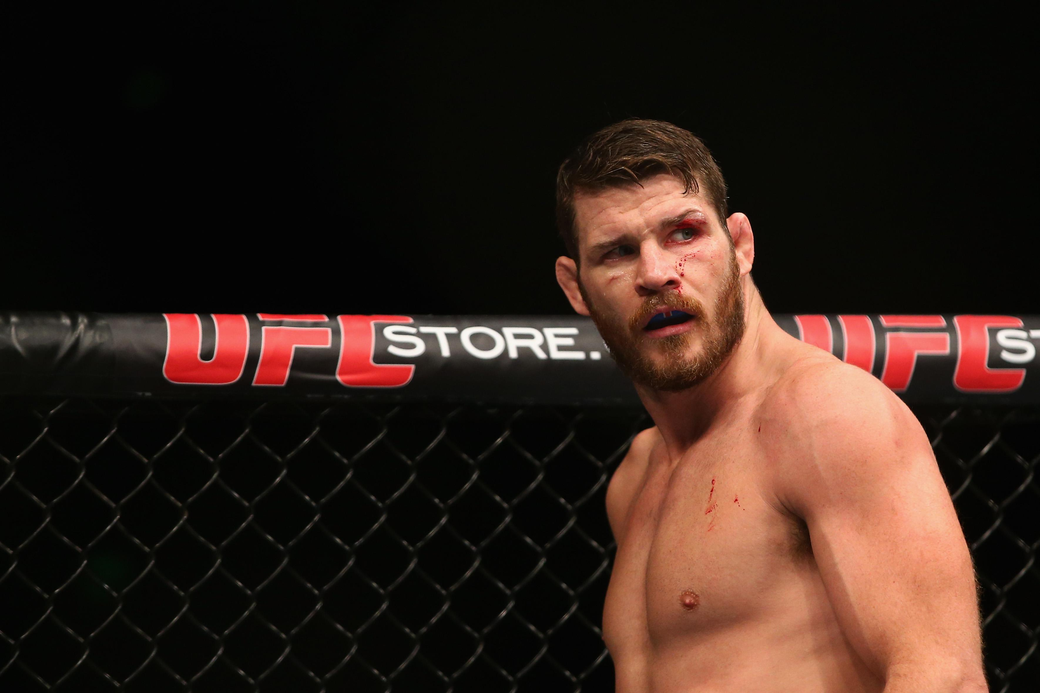 "Michael Bisping reckons Conor McGregor would ""destroy"" Floyd Mayweather in the octagon"
