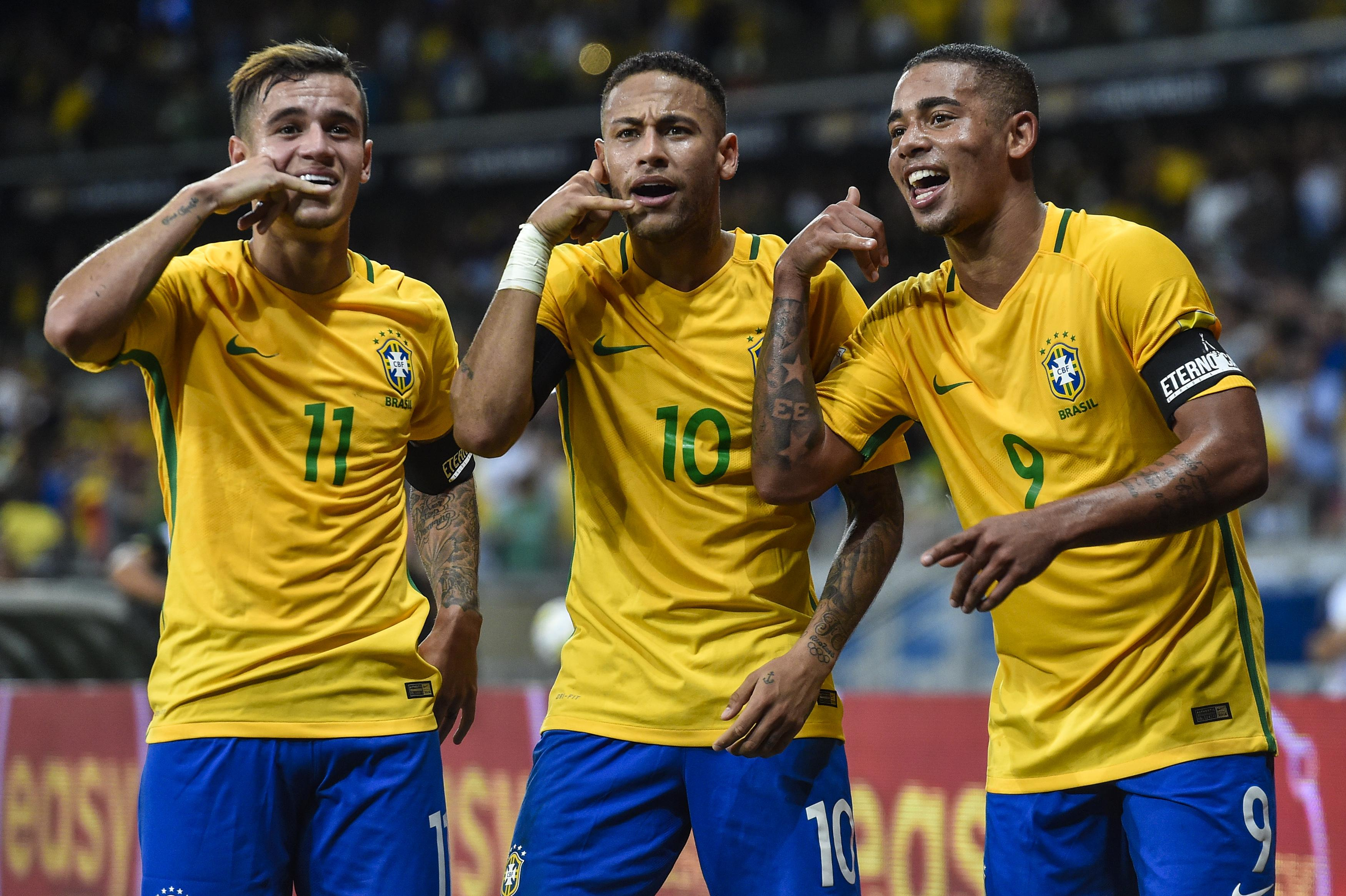 Gabriel Jesus is in attack with Philippe Coutinho and Neymar