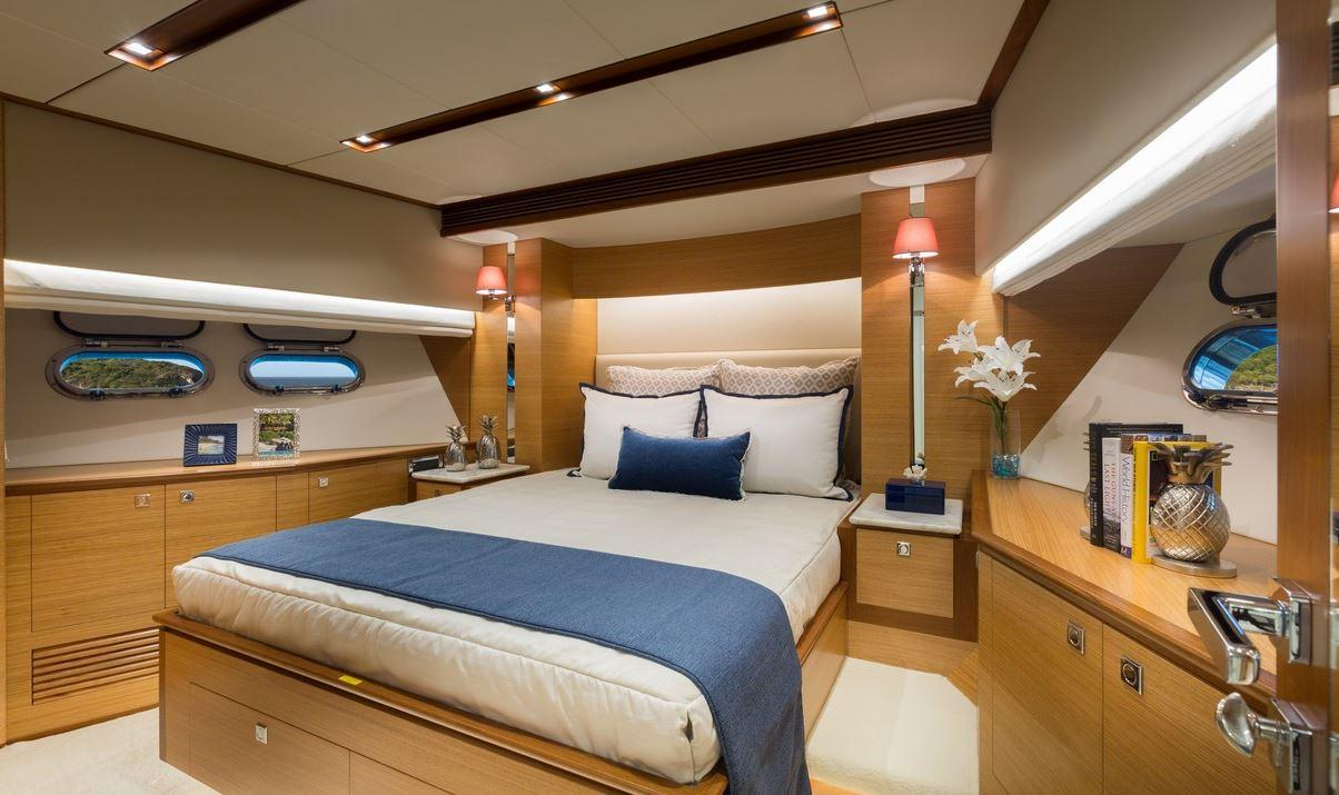 The master bedroom on board the Horizon E88 is very spacious and comfortable, as you'd expect really