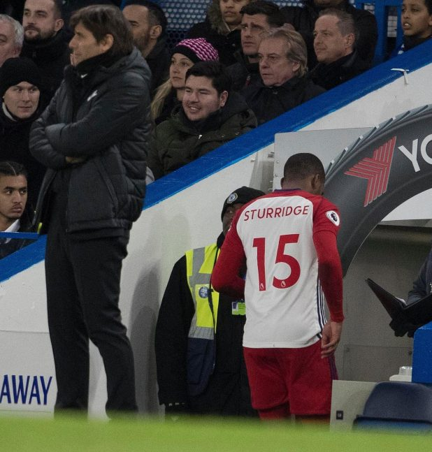 nintchdbpict000384673232 e1518466915717 - Daniel Sturridge limps off with hamstring injury in just third minute of West Brom's visit to Chelsea