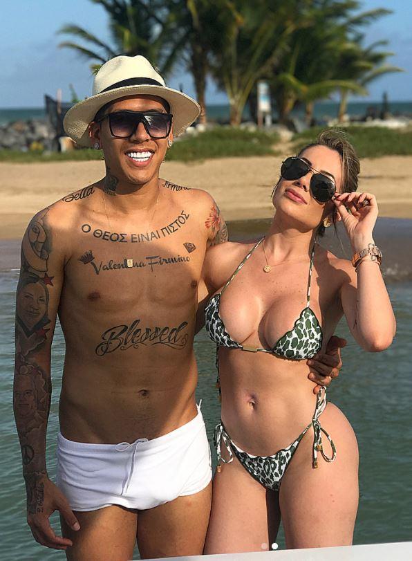 Larissa Pereira The Gorgeous Wife Of Liverpool S Brazilian Striker Mega Icon Magazine