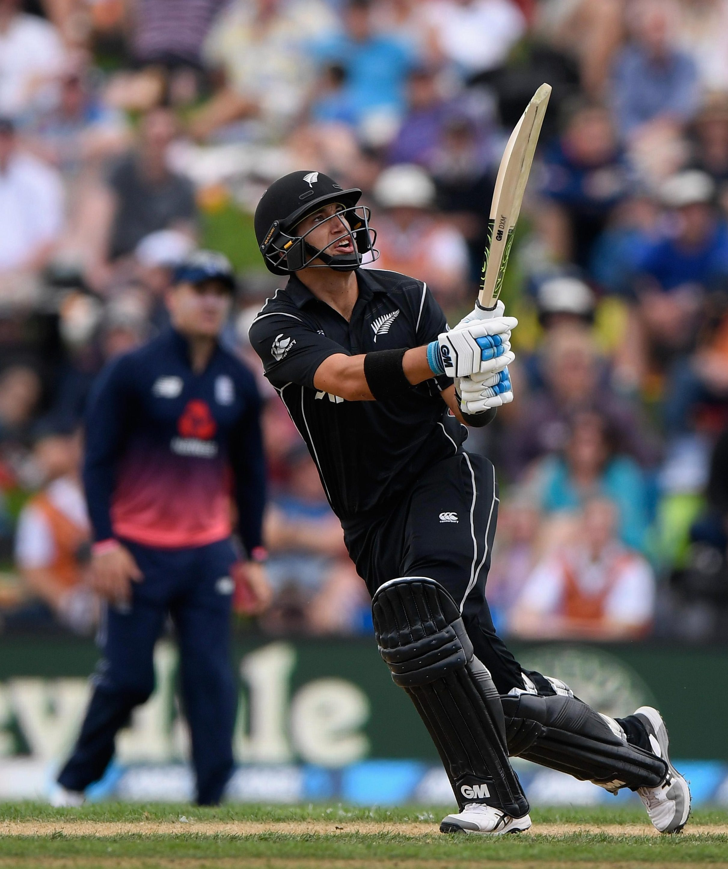 Ross Taylor produced a heroic innings to give New Zealand the win in the fourth Test