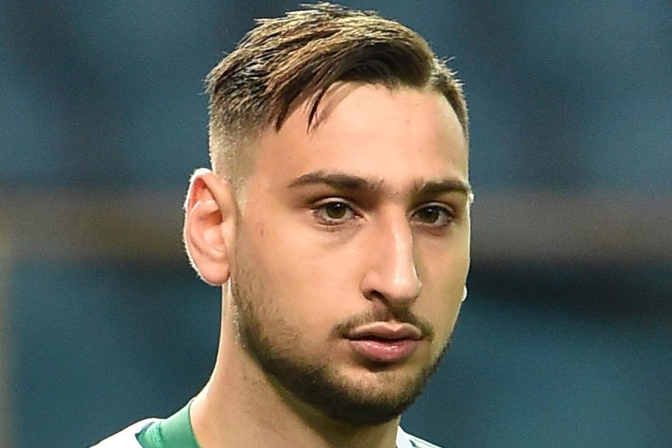 Chelsea 'want to replace Thibaut Courtois with AC Milan keeper Gianluigi Donnarumma if Belgian leaves'