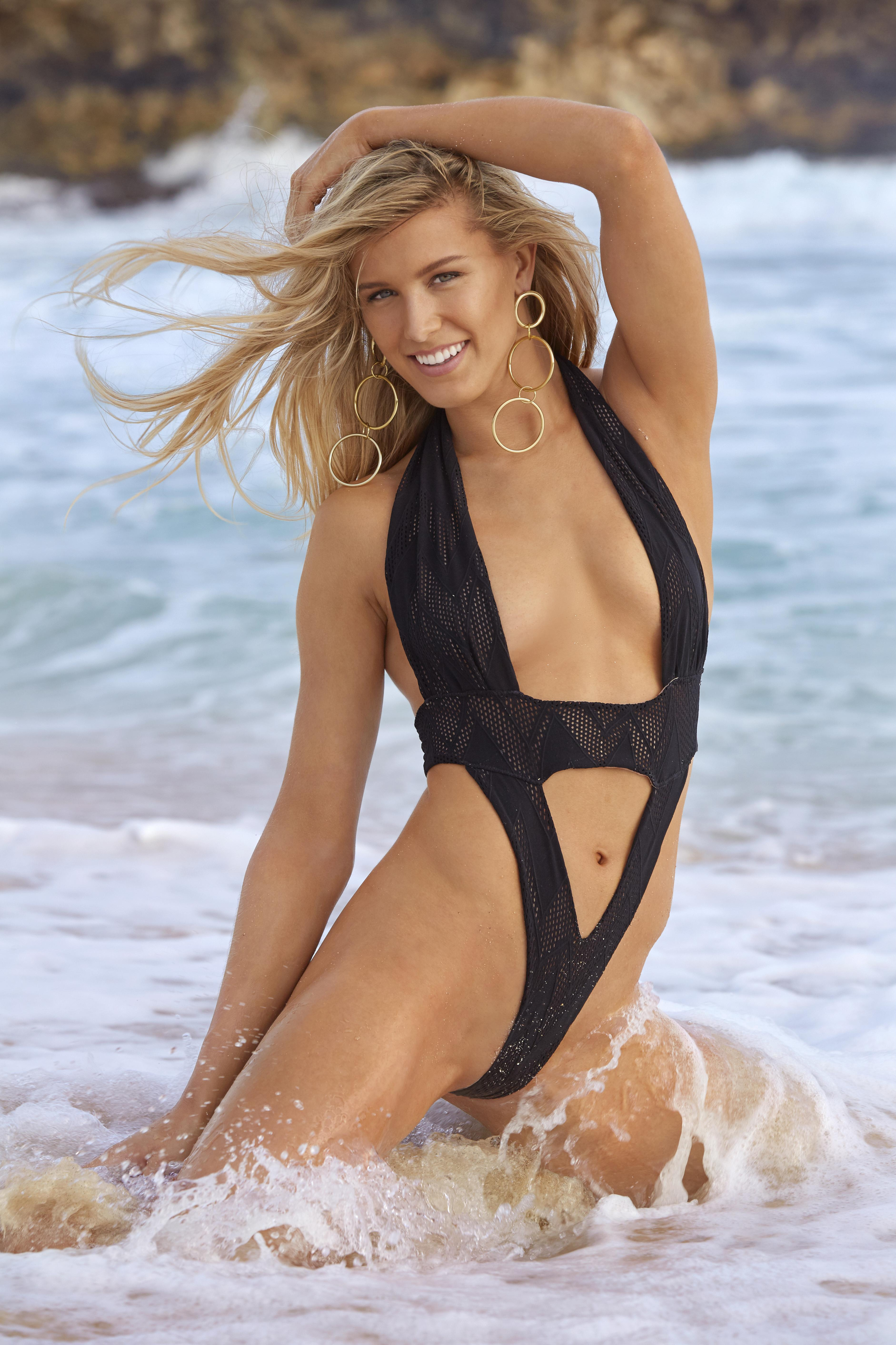 Tennis star Genie Bouchard looks ace as she frolics in the surf for Sports Illustrated