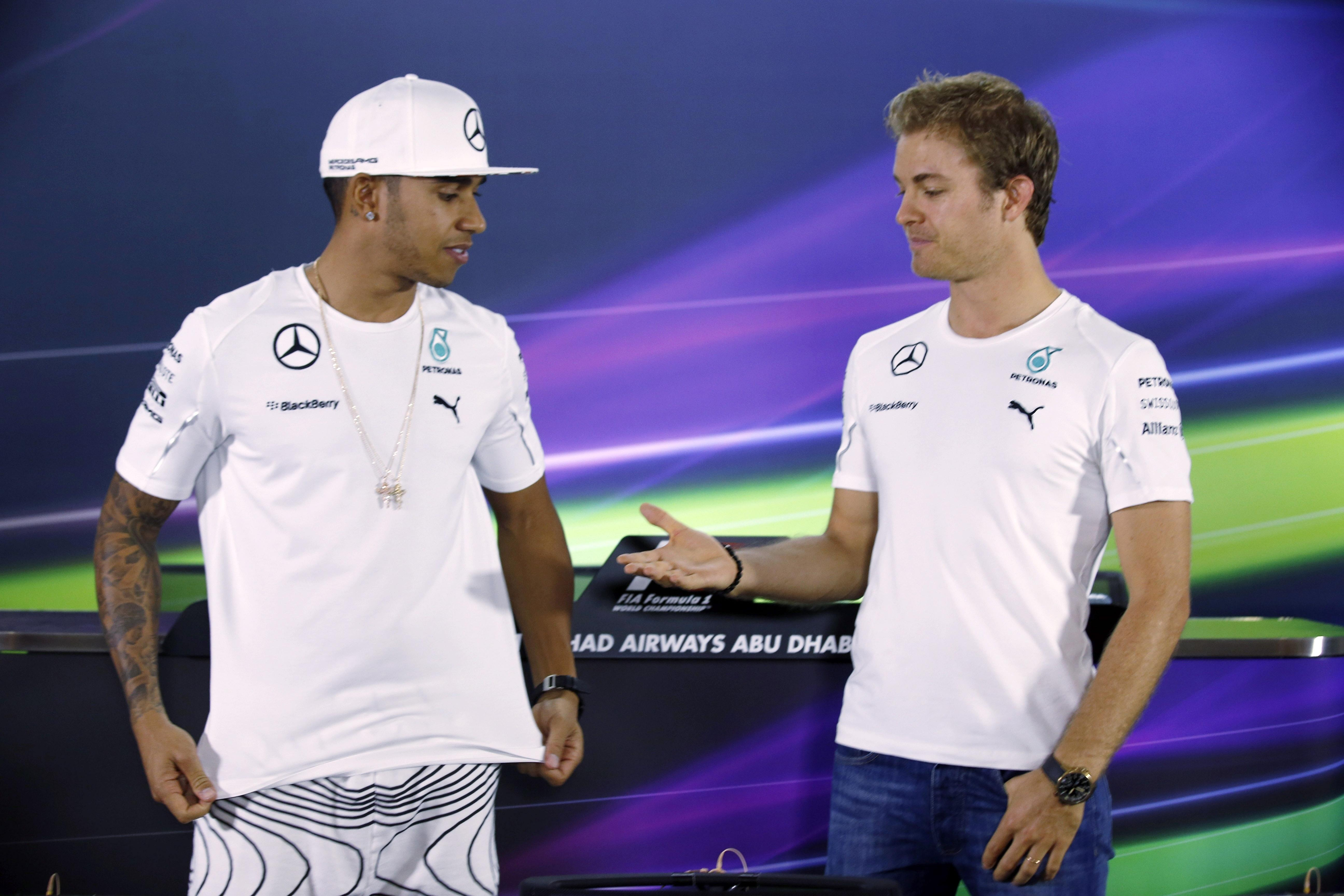 Nico Rosberg has offered former team-mate Lewis Hamilton an olive branch