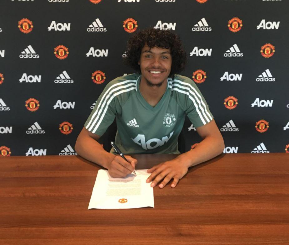 D'Mani Mellor has signed his first professional contract with Manchester United
