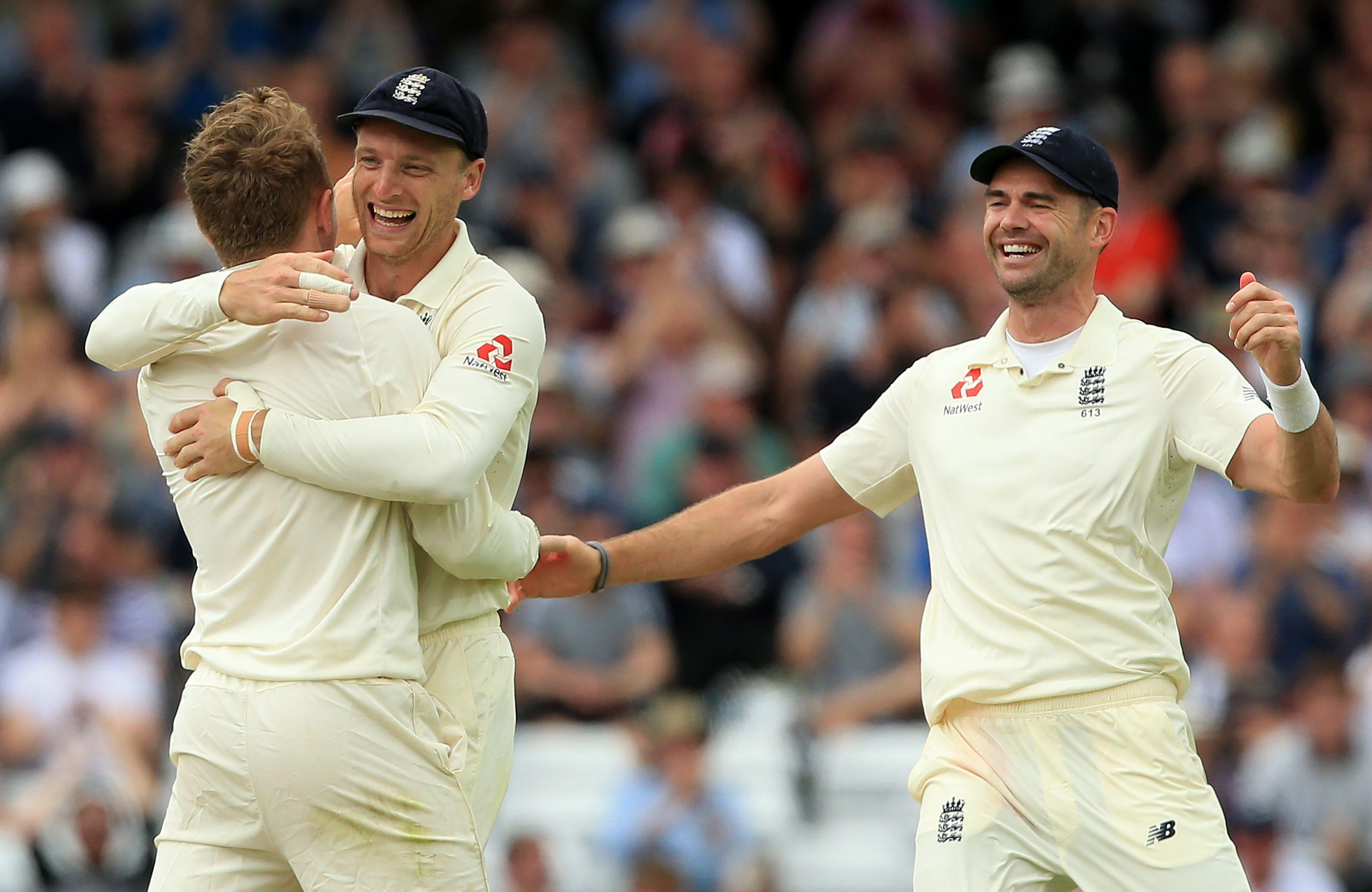 England are closing in on victory against Pakistan in the second Test