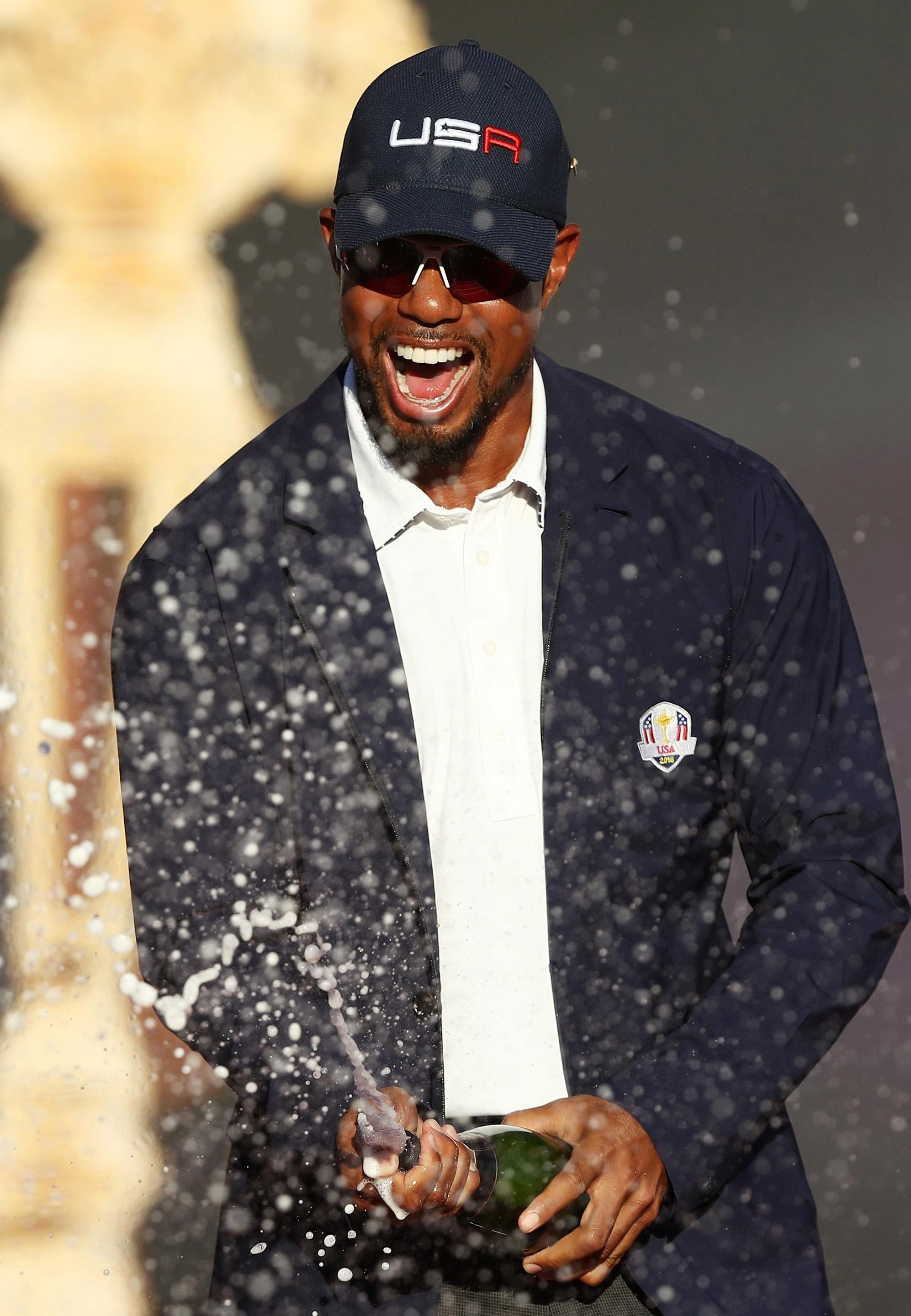 Punters will be popping the champagne along with Tiger Woods should he win a fourth Claret Jug