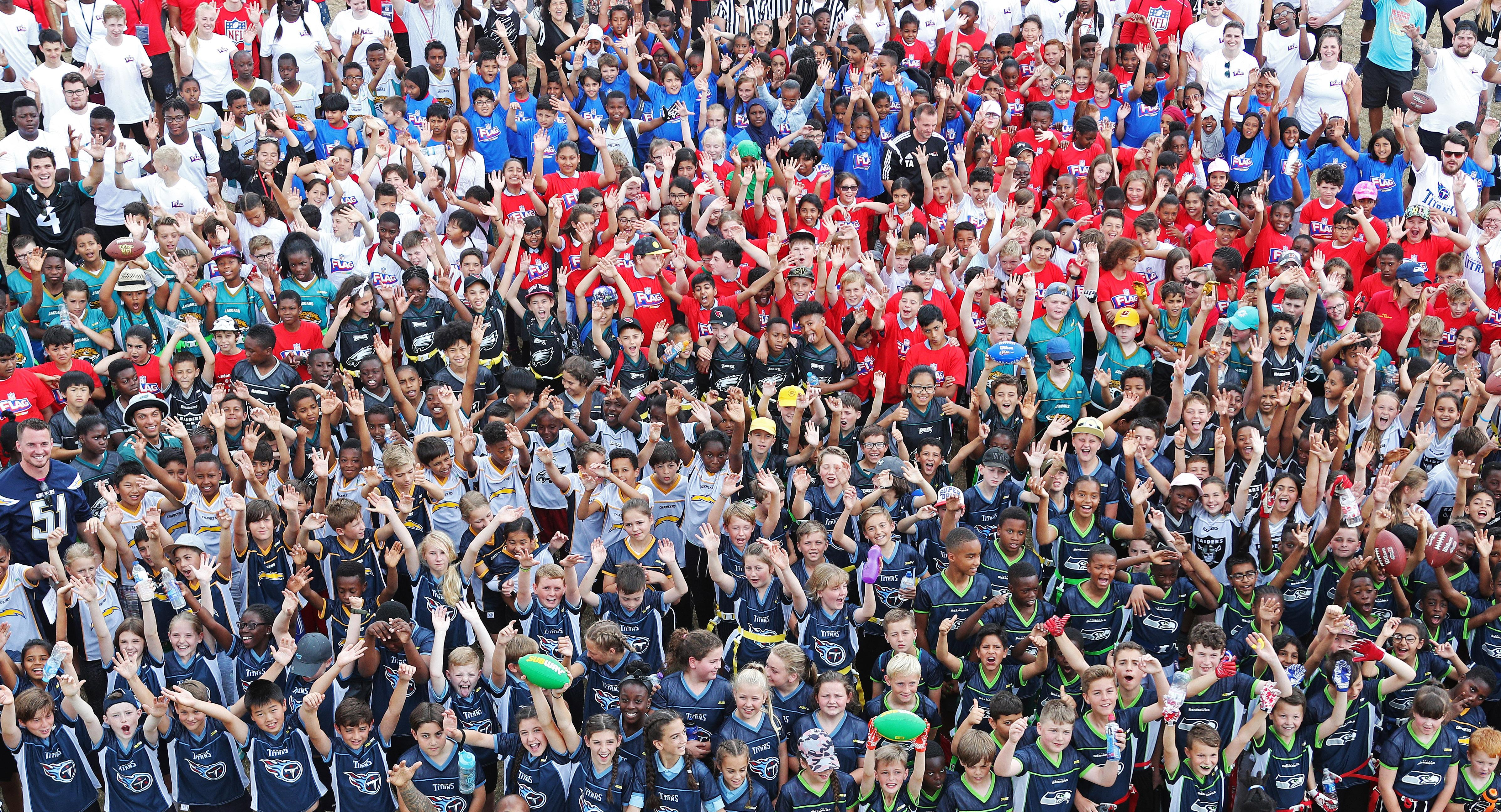 1000 schoolkids got the chance to play American football