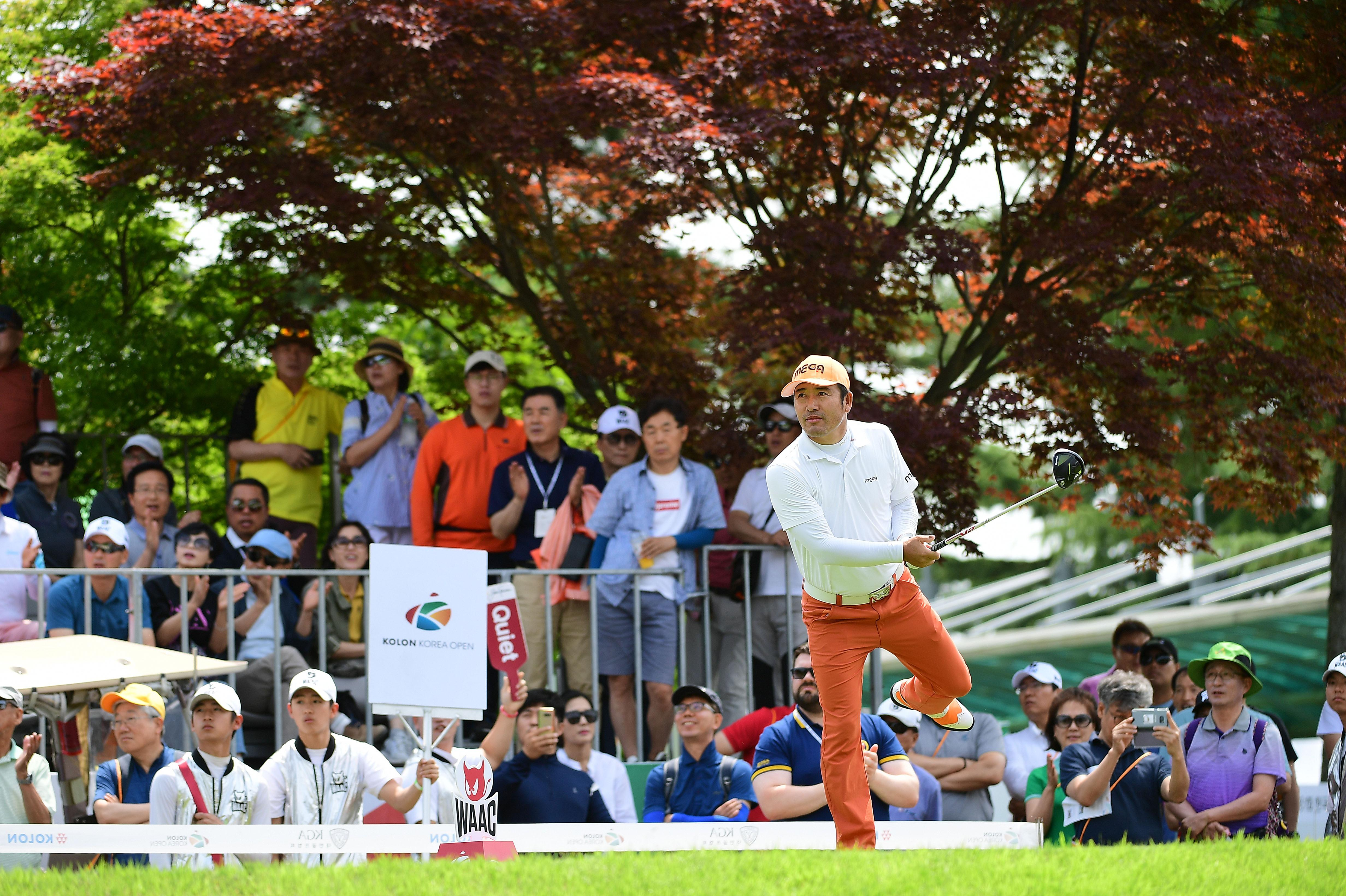 Choi Ho-sung flicked a leg in the air on his swing follow-through