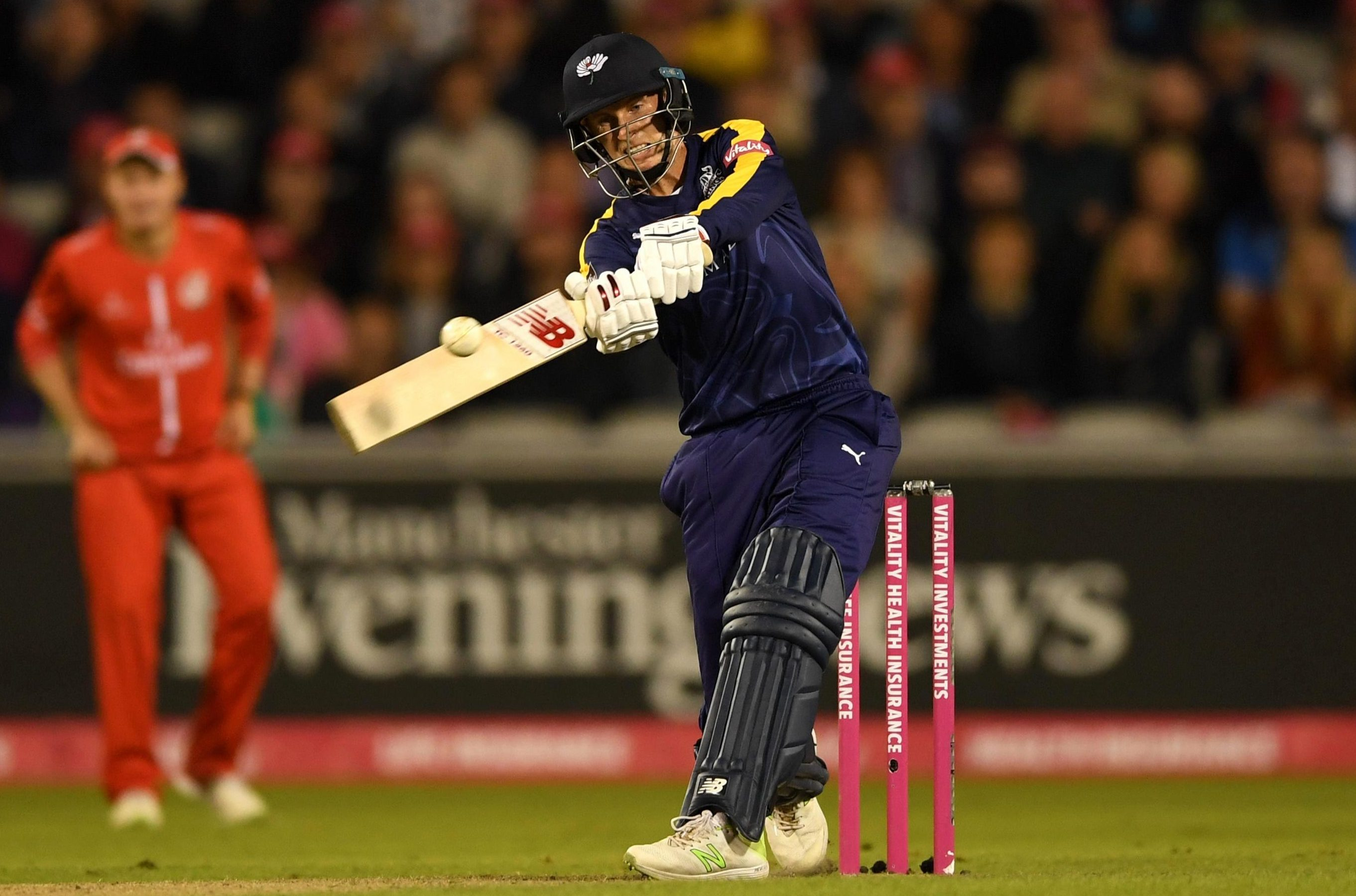 Joe Root smashed a fifty but could not see Yorkshire over the line