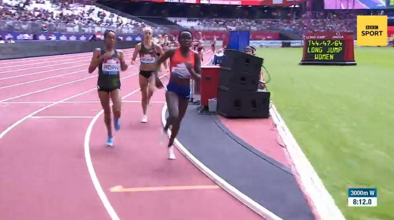 Fantu Worku pulled up with 200m still to run as she conceded victory