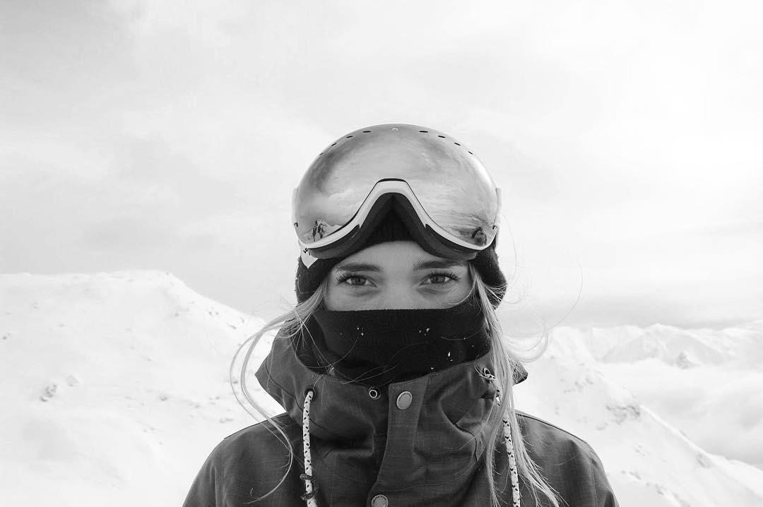 Tributes have been paid by Britain's competitive snowboarding community