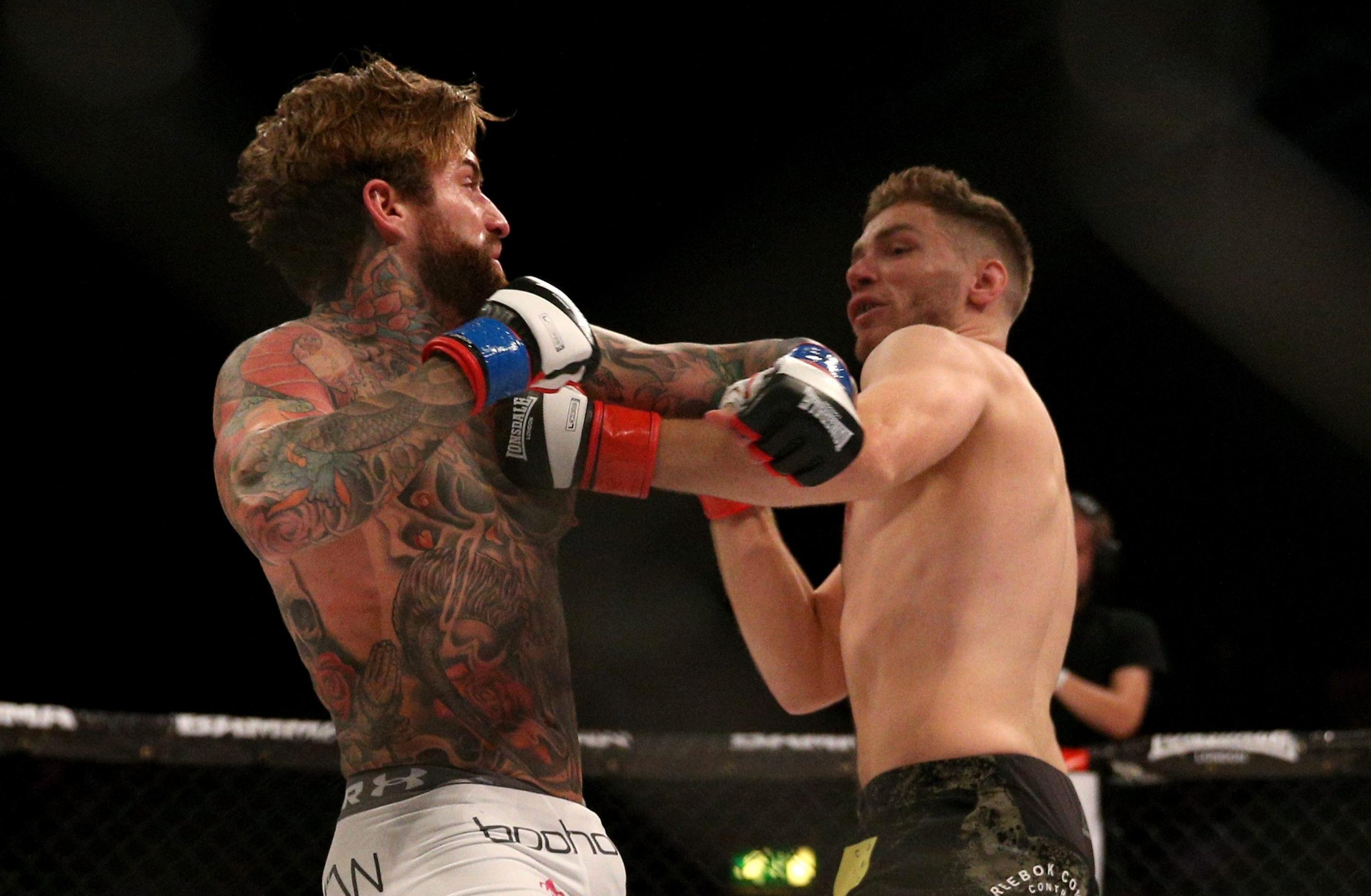 Aaron Chalmers in action against Alex Thompson at BAMMA 31 last September