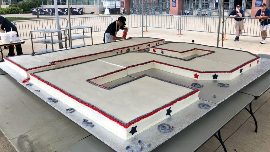 Tom Brady's birthday cake made from 2,000 eggs and weighing 900lbs
