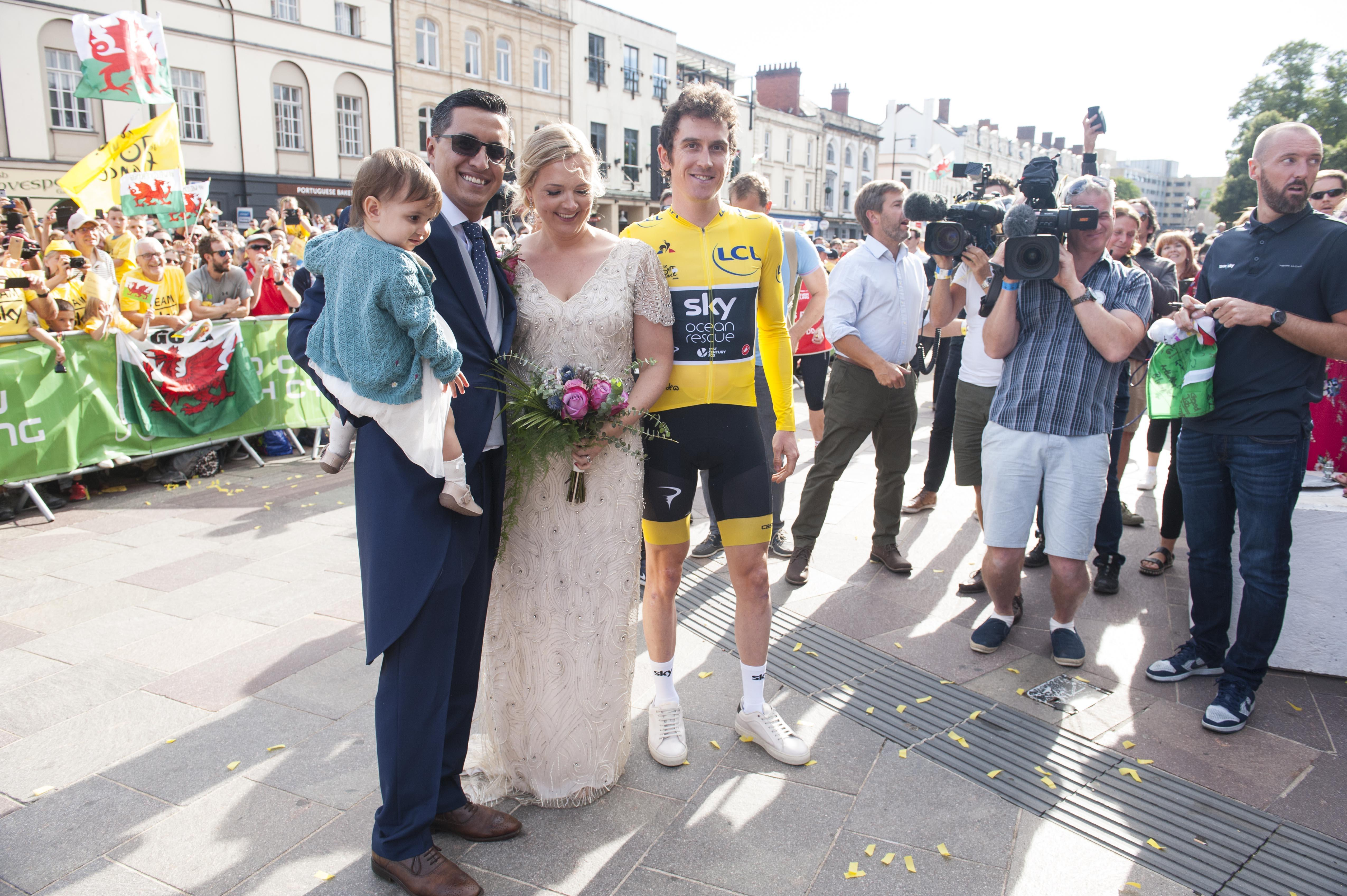 Geraint Thomas posed with a newly-married couple in Cardiff as he celebrated his Tour de France homecoming