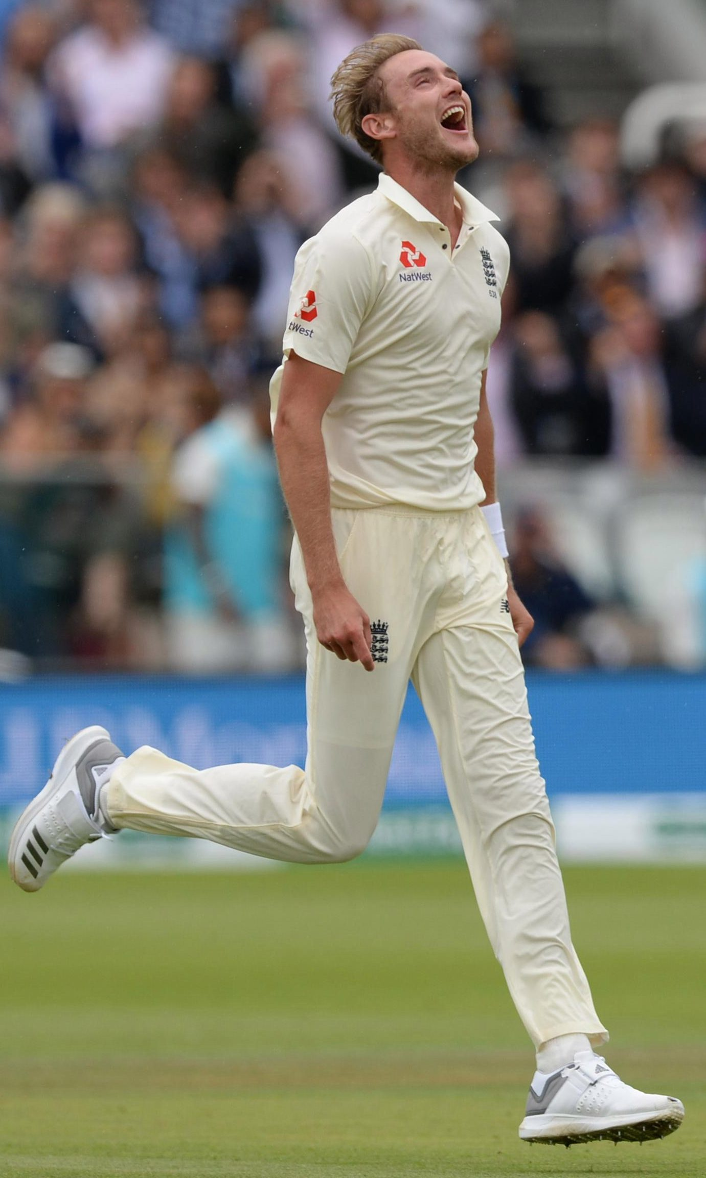 Stuart Broad was in just as devastating form as James Anderson as the highly-experienced duo each took four wickets in the tourists' dismal second innings
