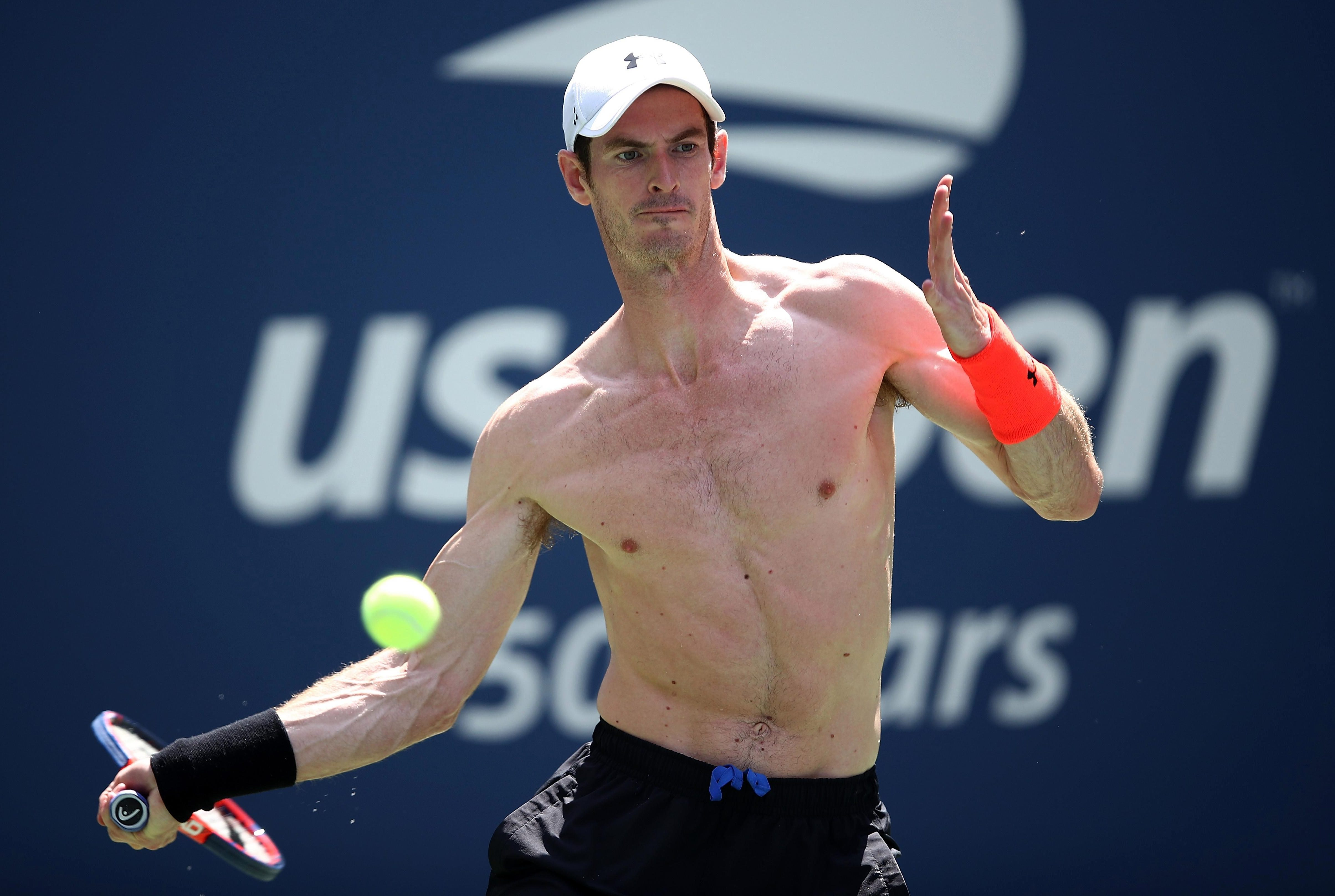 Murray looks in tip top shape and ready to battle the conditions even though he is constantly consuming food and drink