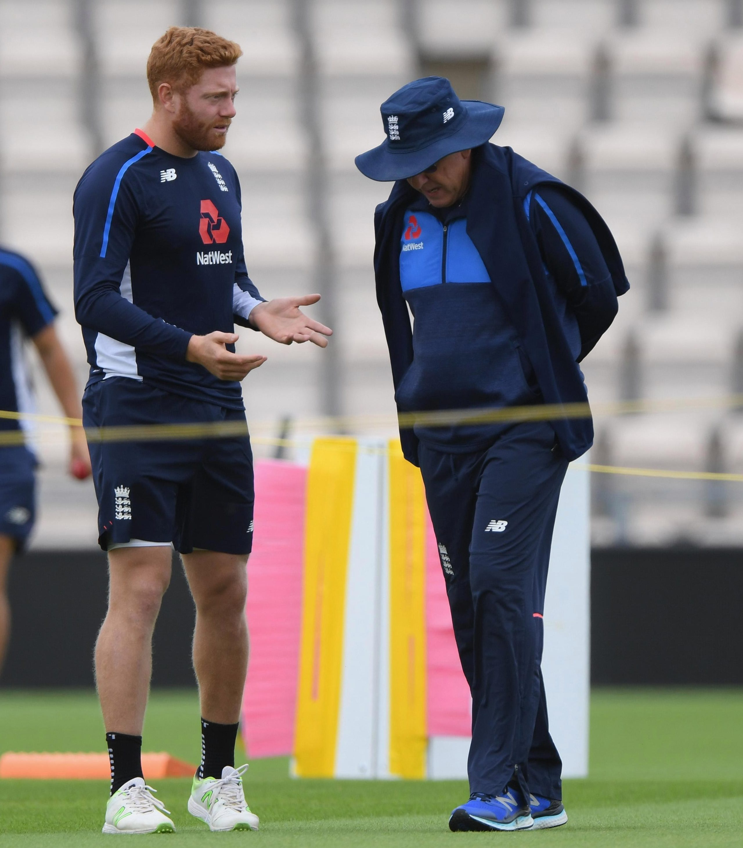 Jonny Bairstow tells England coach Trevor Bayliss that he does not want to give up his role as England's wicketkeeper